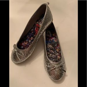 Faded Glory Girl's Silver Dazzle Ballet Flat 2